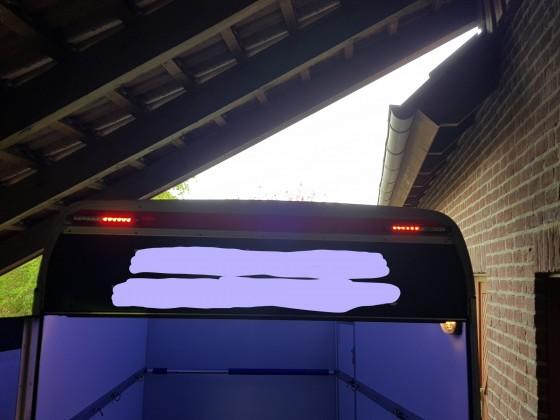 obere LED-Lichter eingeschaltet