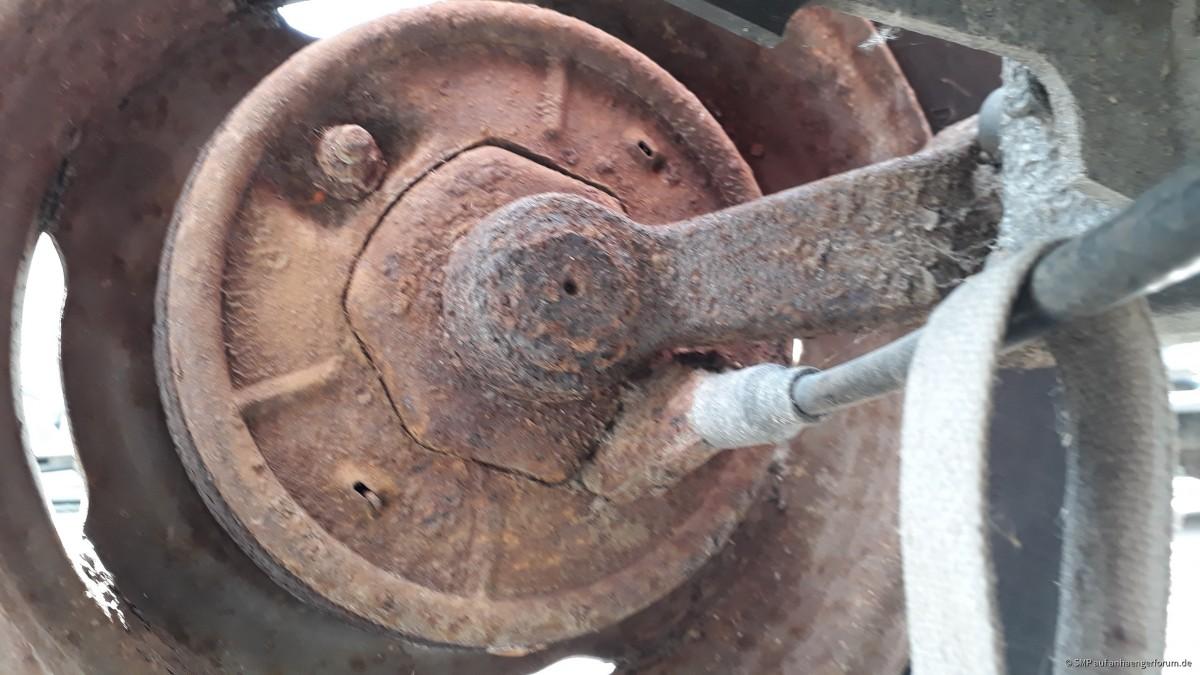 Achse und Bremsen