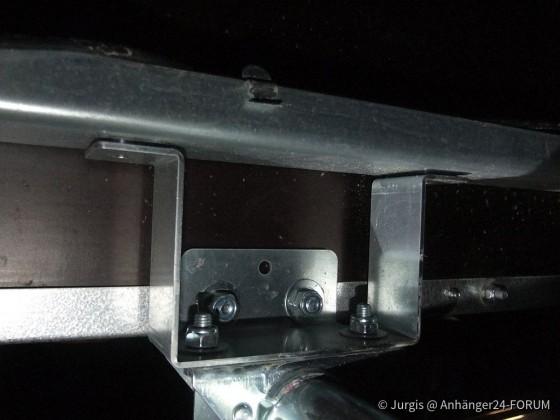 montierte Befestigungsprofil für Abstellstütze für den TPV TL